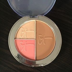 {It Cosmetics}• Face Palette
